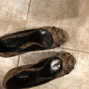 Tan Gucci high heel shoes